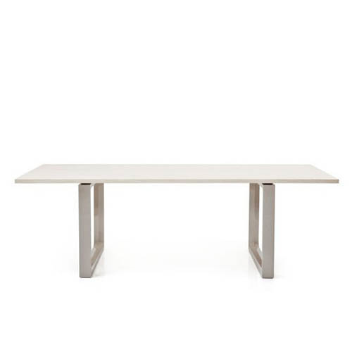 Fritz Hansen CM32 Essay Dining Table